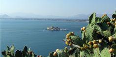 Nauplia è una graziosissima cittadina perfetta per godersi il mare e come punto di appoggio per scoprire le meraviglie archeologiche del Peloponneso.