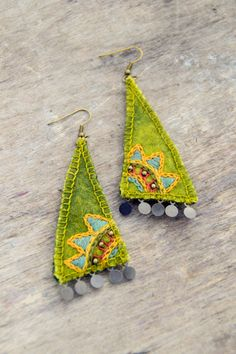Ethnic lime green textile earrings. Natural and eco by Mioltu, €23.00