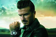 David Beckham nos da la hora esta temporada #celebritystyle #fashion
