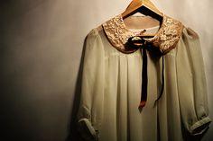 detachable lace collar