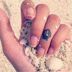Minimalistic clam tattoo clam clamtattoo clamtattoos shell shelltattoo shelltattoos ocean sea minimalism minimlist minimalistic