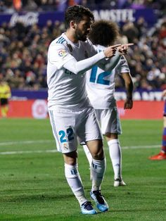 Isco Real Madrid, Isco Alarcon, Best Football Team, Neymar, Football Players, The Magicians, My Idol, Handsome, Sporty