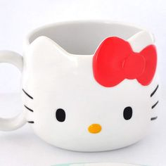 You wont need to add sugar to your coffee with this mug, because Hello Kitty is sweet enough already! Whether it's a morning cup of joe or a refreshing glass of tea in the afternoon, it's a great way to ensure that your day is Hello Kitty-friendly. Hello Kitty Instax, Hello Kitty Mug, Hello Kitty Merchandise, Kawaii Gifts, Kawaii Stuff, Theme Tunes, Japanese Gifts, Starbucks Logo, Soup Bowl Set