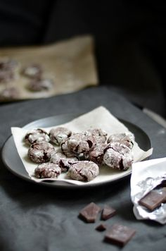 Chocolate Crinkle Cookies! #chocolate #cookie #recipe #christmas #cookies #dessert #yummy