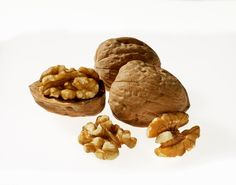 Initial findings from the Walnuts and Healthy Aging study presented at Experimental Biology 2016 indicate that daily walnut consumption positively impacts blood cholesterol levels without adverse effects on body weight among older adults.1 The WAHA study is a dual site two-year clinical trial conducted by researchers from the Hospital Clinic of Barcelona and Loma Linda University and is aimed at determining the effect of walnuts on age-related health issues.