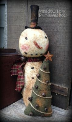 Primitive Folk Art Snowman by MeadowForkPrims on Etsy