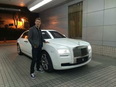 Jenson Button says thanks @Deborah MaHarrey-Royce Motor Cars for the car in Shanghai, much needed comfort for the hour plus drive to and from the track. pic.twitter.com/IfUBFZN3s...