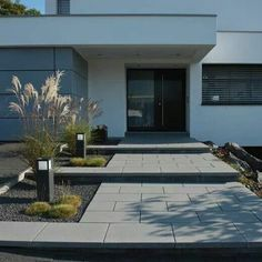Garden Fence Entrance stairway Courtyard entrance Canopy Architecture Housing House entrance Design Front yard Modern – Boisholz – rnrnSource by Entrance Design, House Entrance, Modern Landscaping, Front Yard Landscaping, Landscaping Ideas, Landscape Design, Garden Design, Canopy Architecture, Stairways