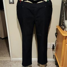 Denim and Company blue trouser jeans Cotton polyester spandex blend trouser jeans. 5 pocket with rhinestone studs faux fly. Brand new without tags and never worn.l Q Denim and Company Pants Straight Leg