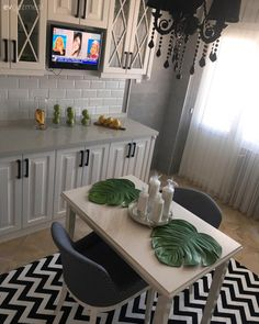 After Hüsniye Hanım completed the black and white harmony in the kitchen, which was completed a week Kitchen Ikea, New Kitchen, Kitchen Decor, Kitchen Cabinets, Home Decor Signs, Home Decor Styles, Floor Planner, Cabinet Plans, White Decor