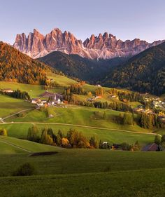 Photo by @oldkyrenian  Val di Funes