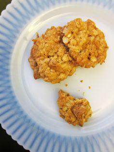 Crispy chewy coconut cookies. no gluten either!