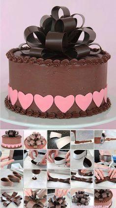 Chocolate cake with amazing chocolate bow Cake Decorating Techniques, Cake Decorating Tutorials, Cookie Decorating, Cake Icing, Fondant Cakes, Cupcake Cakes, Frosting, Chocolate Work, Modeling Chocolate