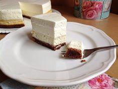 Vanilkový cheesecake s pěnou z bílé čokolády Cheesecake, Baked Goods, Pudding, Baking, Recipes, Cupcakes, Pastries, Food, Cheesecake Cake