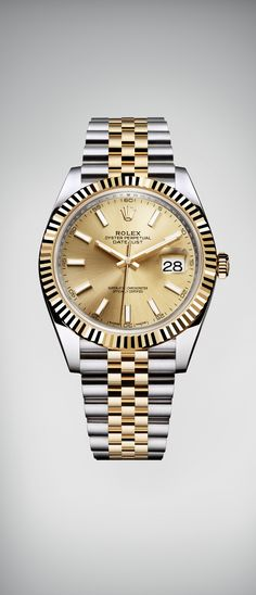 The Rolex Datejust 41 features an updated design in a 41 mm case in yellow Rolesor, combining 904L steel with 18 ct yellow gold, and the new Rolex calibre 3235, a movement at the forefront of watchmaking technology.