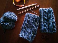 Como tejer calentadores, boot cuffs o polainas de punto con dos agujas Crochet Boots, Knit Crochet, Crochet Boot Cuff Pattern, Crochet Hats For Boys, Leg Warmers, Fingerless Gloves, Wool, Knitting, How To Make