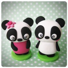 The World's Best Photos of missbonbon and panda Polymer Clay Figures, Fondant Figures, Fimo Clay, Polymer Clay Charms, Polymer Clay Creations, Polymer Clay Art, Handmade Polymer Clay, Jumping Clay, Biscuit