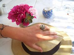 Black & White round paper ring, eco-friendly adjustable