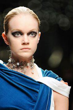 Balenciaga Fall 2008 Ready-to-Wear Collection Personal Style, Balenciaga, Bag Accessories, Jewelry Box, Ready To Wear, Runway, Fashion Design, Fashion Show, Vogue
