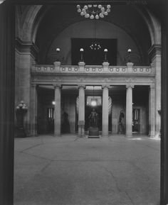 The Metropolitan Museum of Art, Wing D, Gallery 1 (Great Hall); View facing west. Photographed on February 26, 1926.