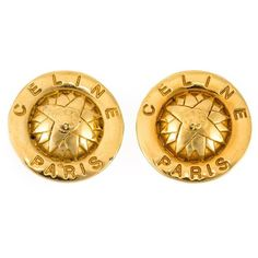 Céline Vintage Round Engraved Earrings (5.720 ARS) ❤ liked on Polyvore featuring jewelry, earrings, metallic, metallic jewelry, engraved jewelry, vintage earrings, gold tone earrings and celine jewelry
