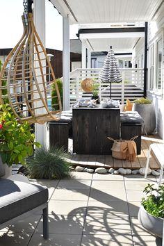 DIY outdoor furnitures! A sneak peak. – Maren Baxter