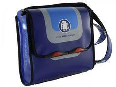 72644e28fe Borse e Accessori made in Italy Borsa a tracolla Paul Meccanico colore blu. Messenger  bag colore blu con patta a chiusura a strappo.