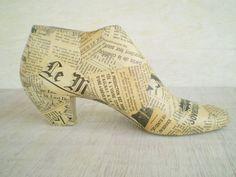 Chaussure en bois forme Decoupage Home Decor Vintage journal Decoupage cadeau décoration collectionneurs sur Etsy, 25,00€