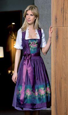 Aubergine paarse dirndl www.nouvo.nl