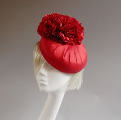 Bright red percher hat of silk with ton sur by MarcusArtandFashion
