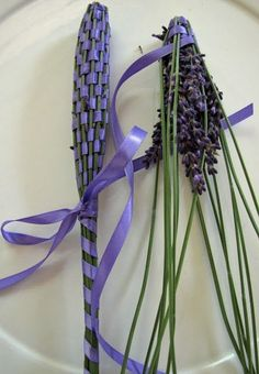 Lockwood Lavender Farm: How to Make Lavender Wands * I will do this next summer once my lavender flowers Lavender Wands, Lavender Crafts, Lavender Garden, Lavander, Lavender Blue, Lavender Fields, Lavender Flowers, Diy Wand, Deco Floral