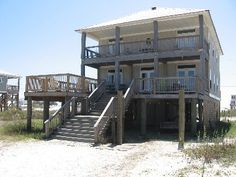 VRBO.com #278069ha - Surrounded by Beaches-Bay or Gulf Side. 5 Bedroom, 3 Baths, a Lot of Deck Space!