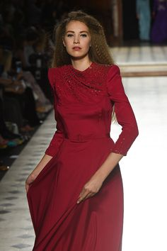 Paris Runway Shows | Julien Fournié Haute Couture Designers, Style Couture, Haute Couture Fashion, Julien Fournié, Fashion Details, Runway, High Neck Dress, Dresses, Feminine Fashion