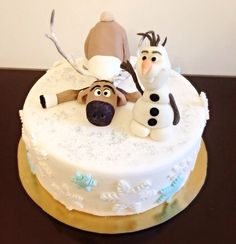 Frozen cake with Olaf and Sven -made of fondant