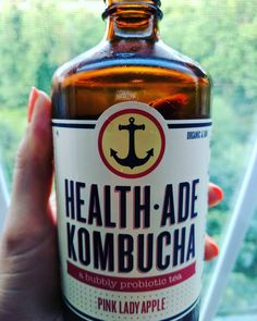 KOMBUCHA!!! I love everything about this company. For starters their logo is an  and if you know me you know I love Anchors. Second I love how @healthade is not afraid to think outside the box with their flavors. Even though this Pink Lady Apple is my all time fave and pretty basic they do have other VERY different flavors such as Reishi-Maca Beet and they even had some kind of Christmas-y one! I love that their bottles are glass and dark Amber to protect the integrity of the bacteria.  This…