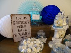 Candybar blue/white Wedding Blue White Weddings, Blue And White, Sweet, Food, Candy, Eten, Meals, Diet