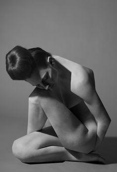 Sculptural Nudes by Koen Hauser, via Behance
