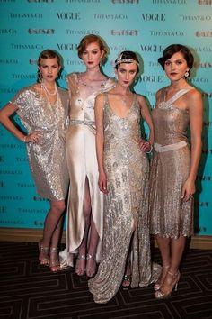 Знаменитости в серебрянных платьях стиля Гэтсби, вечеринка Tiffany и Vogue