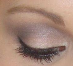 This is one of my regular and favourite eye makeup looks. A soft grey smoking eye using MAC Knight Divine. Makeup Tips, Beauty Makeup, Hair Makeup, Hair Beauty, Makeup Ideas, Grey Eye Makeup, Waterline Eye Liner, Beginner Eyeshadow, Natural Smokey Eye