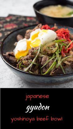 Japanese gyudon beef bowl - like they serve at Yoshinoya Indian Food Recipes, Asian Recipes, New Recipes, Dinner Recipes, Ethnic Recipes, Spicy Recipes, Delicious Recipes, Favorite Recipes