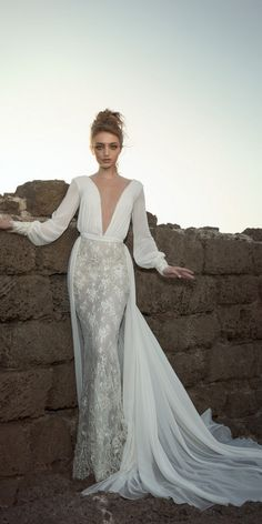 The Best Wedding Dresses 2018 from 10 Bridal Designers | Deer Pearl Flowers - Part 10 / http://www.deerpearlflowers.com/best-wedding-dresses-2018/10/
