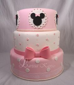 Bolo Do Mickey Mouse, Minnie Mouse Birthday Theme, Mickey And Minnie Cake, Minnie Mouse Cake, Birthday Cake Girls, Baby Cakes, Girl Cakes, Cupcake Cakes, Friends Cake