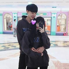 Goals :( my aesthetic :) pareja ulzzang, parejas, pareja cor Boyfriend Goals Relationships, Boyfriend Goals Teenagers, Relationship Goals, Asian Cute, Cute Korean, Korean Girl, Korean Ulzzang, Ulzzang Boy, Korean Couple