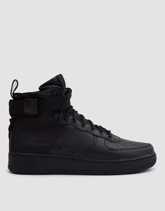 premium selection ceeab ad8f5 Nike SF Air Force 1 Mid Shoe in Black Black Black Nike Street Shoes,