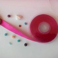 1 métre *ruban satin colorie rose vif  15mm
