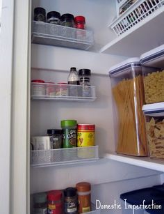 How to organize your pantry perfectly, and use pencil holders effectively