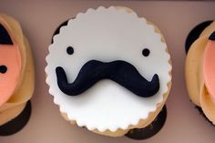 Somehow I have missed making mustache cupcakes, I will make this mistake no longer.