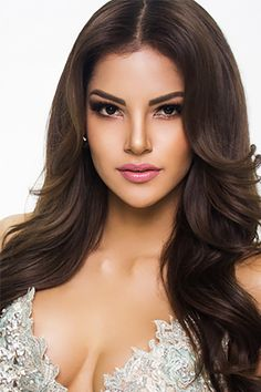 Glam Shots Of Miss Universe Contestants 2017 — See Pics – Hollywood Life Most Beautiful Faces, Beautiful Lips, Beautiful Women Pictures, Beautiful Girl Image, Beautiful Hijab, Gorgeous Women, Pageant Hair, Beauty Pageant, Miss Universe Gowns