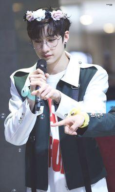 Glasses suit him. Rapper, Chris Chan, Stray Kids Chan, Fandom, Hyungwon, Lee Know, Kpop Boy, Mixtape, South Korean Boy Band