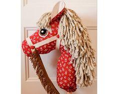 Caballo de juguete de caballo - Hobby Horse - Boy caballo vaquero cumpleaños fiesta regalo - Stick Pony - palillo rojo - Western caballo relleno - regalo de Navidad-